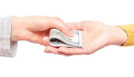 做梦梦到别人送钱给我是什么征兆 说明什么