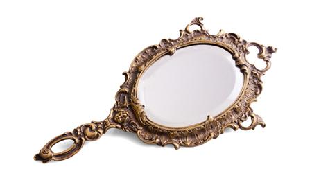 做梦梦见镜子有什么寓意 要注意什么