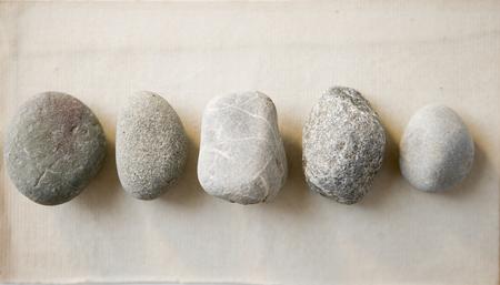做梦梦见石头怎么回事 有什么征兆